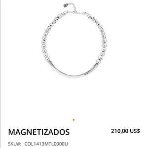 UNO de 50 MAGNETIZADOS Silver Choker Necklace